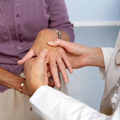 طبيب العظام له دور محدد فى علاج الروماتويد المفصلي
