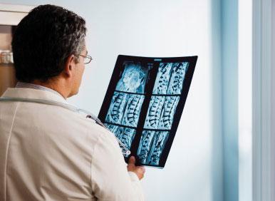 طبيب عظام متخصص فى دبي