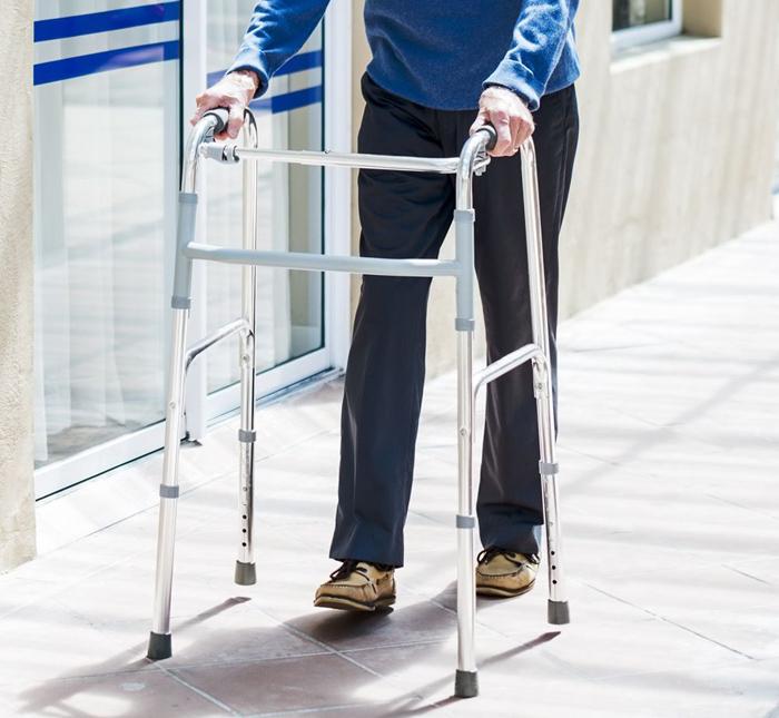 عودة المريض لمنزله يوم تركيب مفصل الفخذ