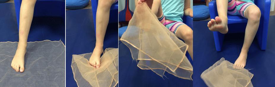 تمرين لملمة والتقاط قطعة من القماش لعلاج الفلات فوت عند الأطفال