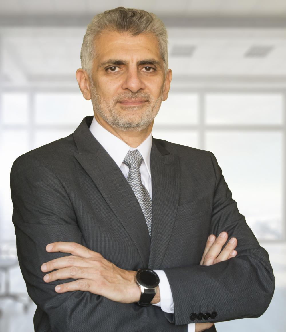 دكتور هشام عبدالباقي - جراح عظام و مفاصل